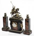 Часы и подсвечники каминные