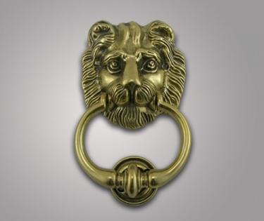 Дверная ручка Лев из латуни