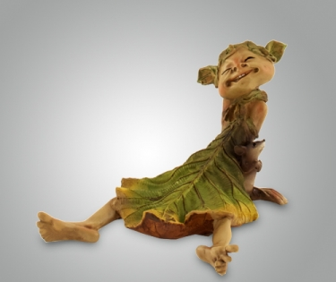 Фигурка из полистоуна кикимора сидит