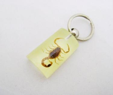 Брелок скорпион из фосфора