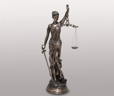 Статуэтка фемида богиня правосудия