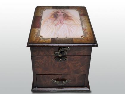 Шкатулка в старинном стиле Мадонна