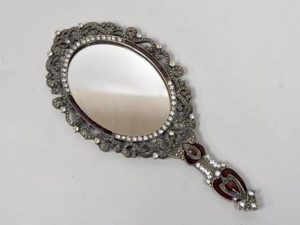 Зеркало ручное оловянное со стразами