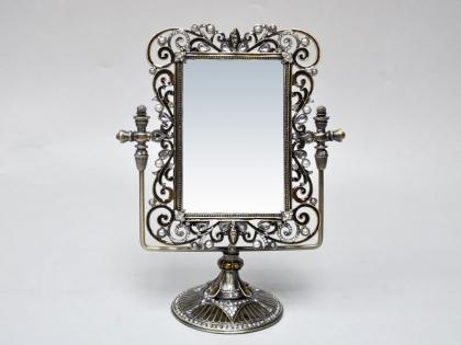 Настольное зеркало из олово со стразами
