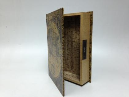 Фолиант сейф с замком старинная карта мира