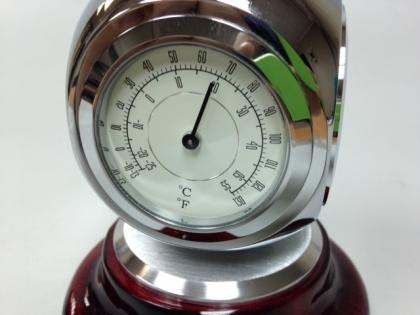 Настольные часы с термометром и гигрометром