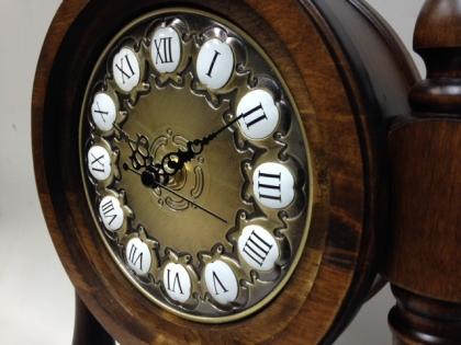 Часы настольные механические с маятником