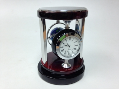 Часы настольные с компасом в виде глобуса