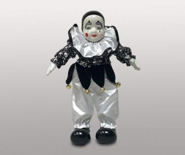 Клоун кукла в черных ботинках