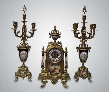 Набор каминный часы и два канделябра из бронзы