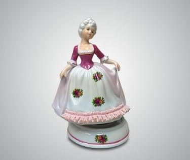 Статуэтка музыкальная барышня в розовом платье