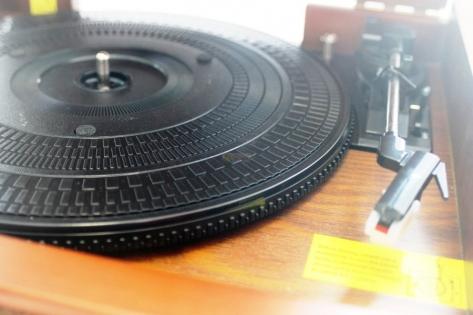 Проигрыватель ретро стиль Roadstar винил и кассеты