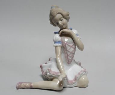 Статуэтка Балерина в белом платье