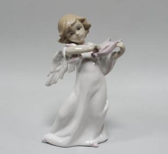 Статуэтка Ангел играет на гуслях
