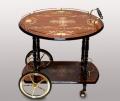 Передвижной столик на колесиках