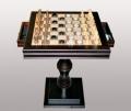 Стол для шахмат и шашек с фигурками квадратный