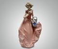 Статуэтка Девушка в розовом платье с корзинкой
