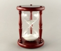 Часы песочные в дереве белый песок