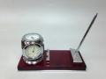 Часы ручка термометр и гигрометр на стол руководителя