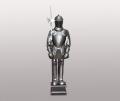 Фигура рыцаря на подставке с копьем