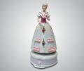 Музыкальная статуэтка дама в платье