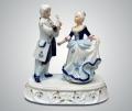 Музыкальная статуэтка дама и кавалер
