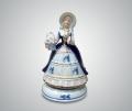Музыкальная статуэтка дама в шляпке с корзинкой