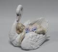 Статуэтка Девочка на лебеде