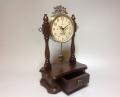Часы настольные в старинном стиле с маятником
